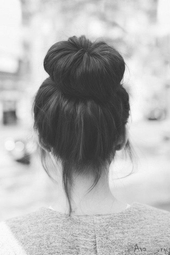 Черно белые девушек брюнеток со спины на аву