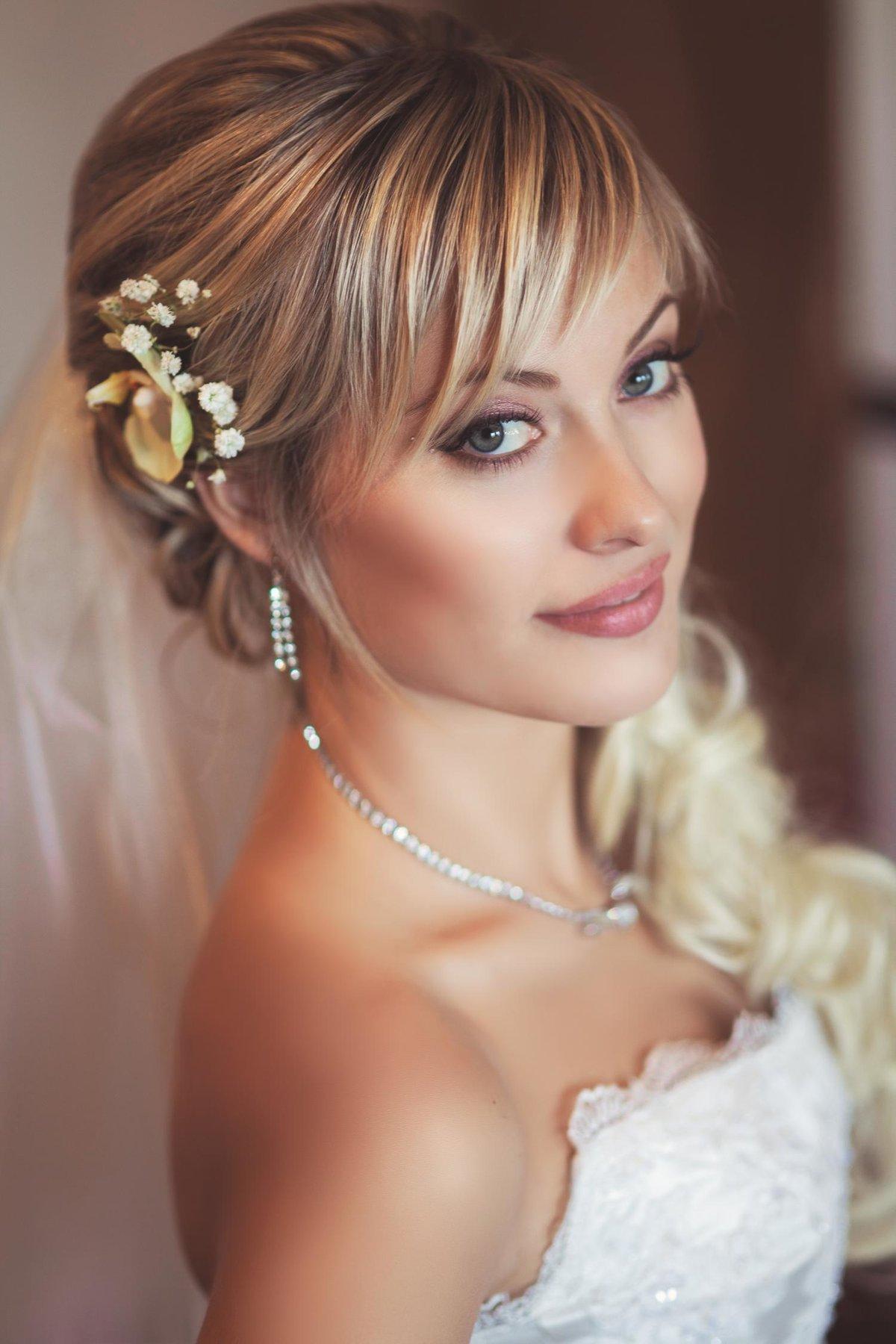 Прически невесты с челкой и косой фото