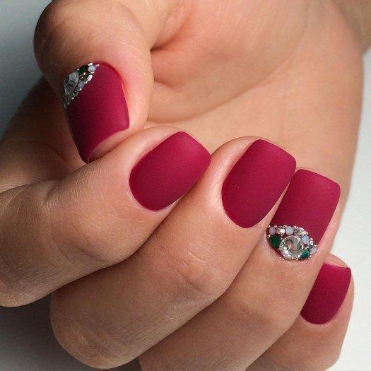 Маникюр матовый на коротких ногтях