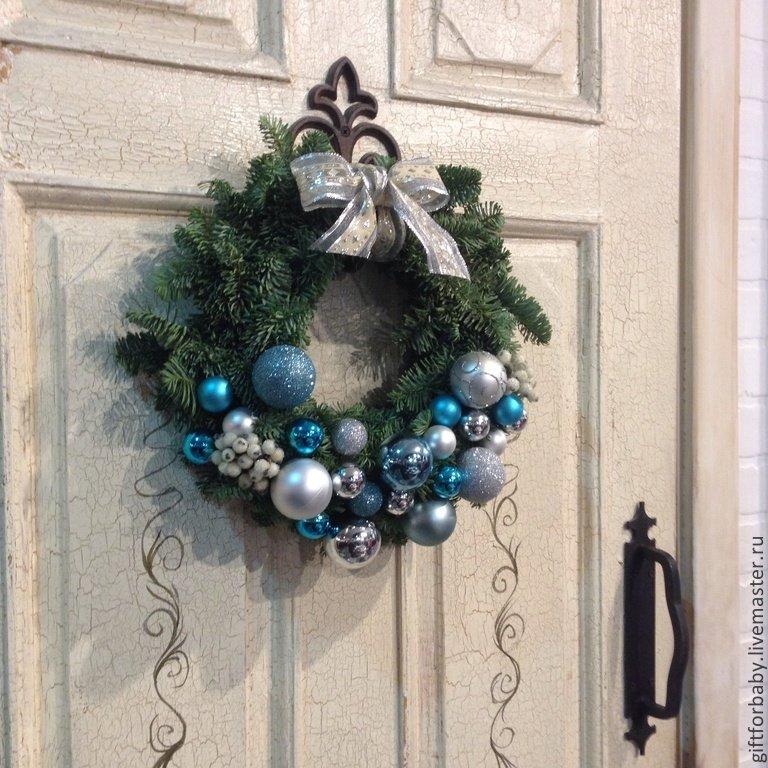 Как самому сделать новогодний венок на двери