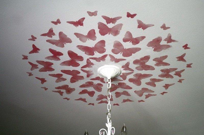 Варианты декоративного оформления потолка под люстру: классические розетки, современный декор, необычные дизайнерские идеи. - ка