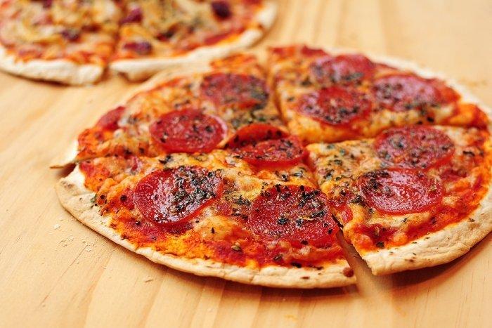 Вкусный простой пиццы