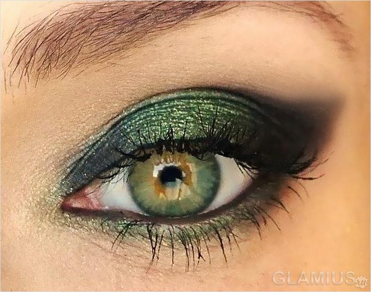 Красивый макияж из зеленых теней