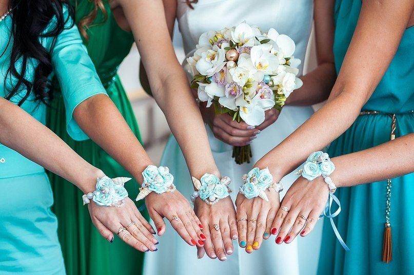 Букет на руку для подружек невесты своими руками 537