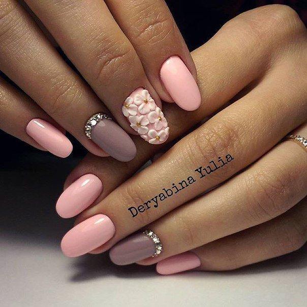 Ногти бежевый с розовым