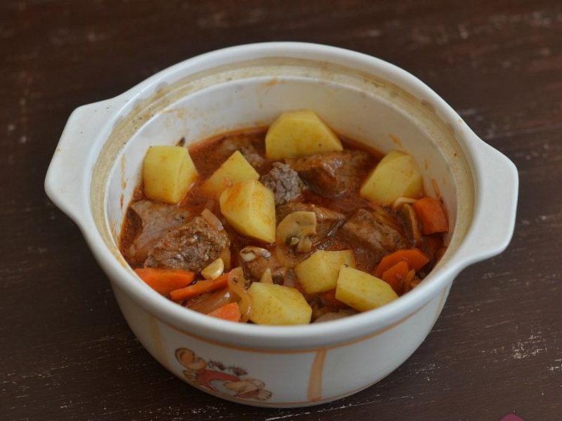 Жаркое в горшочках из свинины в духовке пошаговый рецепт с