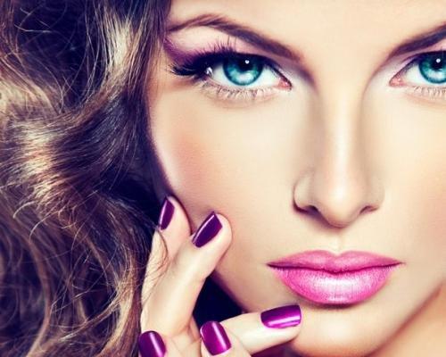 Самые красивые девушки с макияжем