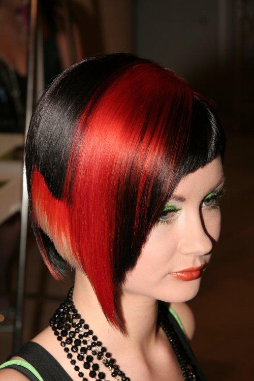 Окраска темных волос двумя цветами
