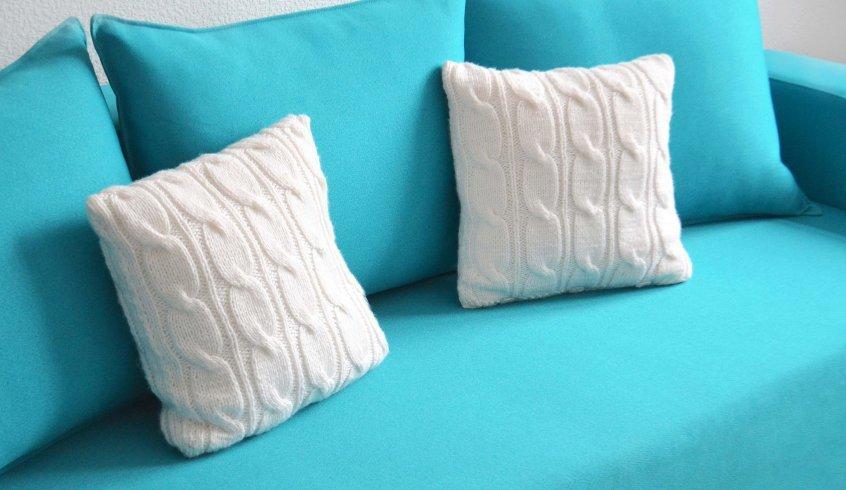 Декоративные подушки спицами своими руками 37