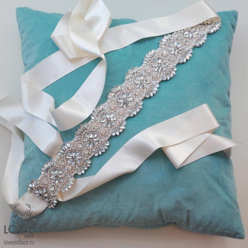 Пояс из ленты для свадебного платья