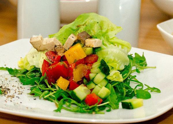 Салат с ананасами и куриной грудкой и пекинской капустой рецепт с