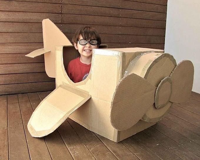 Самолет своими руками из коробки