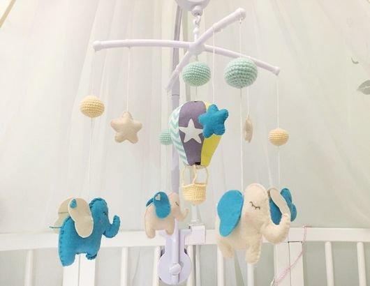 Мобиль на кроватку для новорожденных мастер