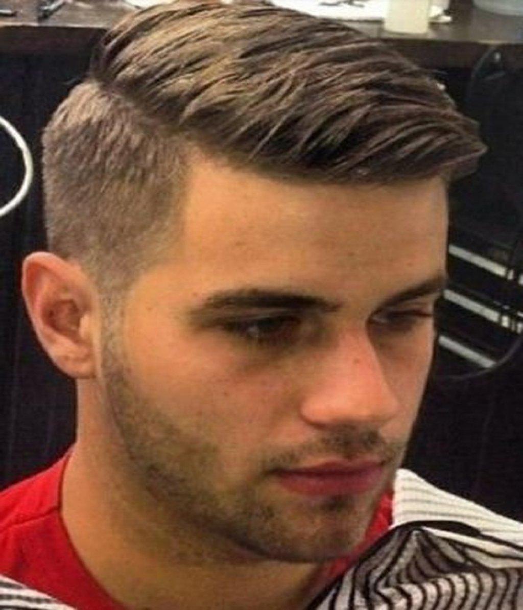 Мужская стильная прическа на короткие волосы