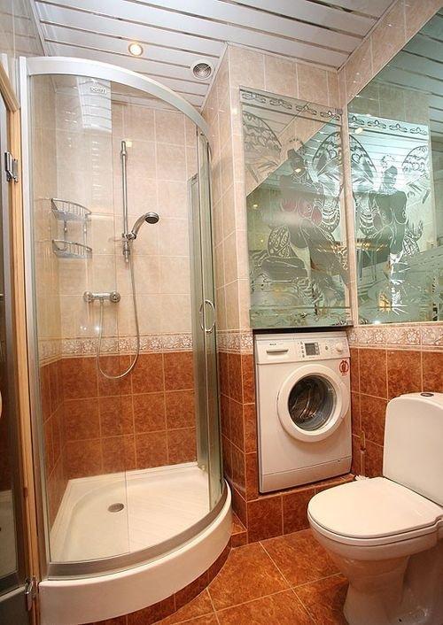 Дизайн ванной комнаты с ванной и душевой кабиной и туалетом