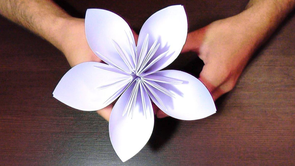 Как сделать цветы из бумаги легко видео