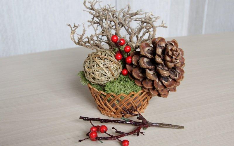 Зимняя композиция из природных материалов своими руками