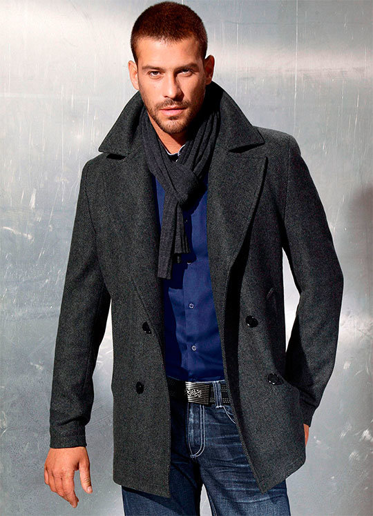 Фото модное мужское пальто в