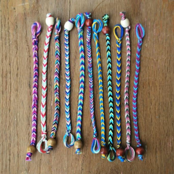 Летние браслеты из ниток