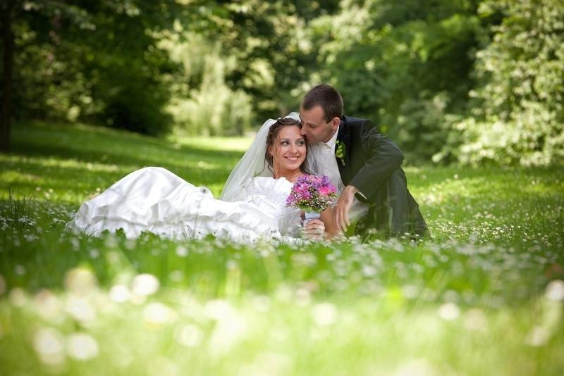 Свадебные фото в парке идеи