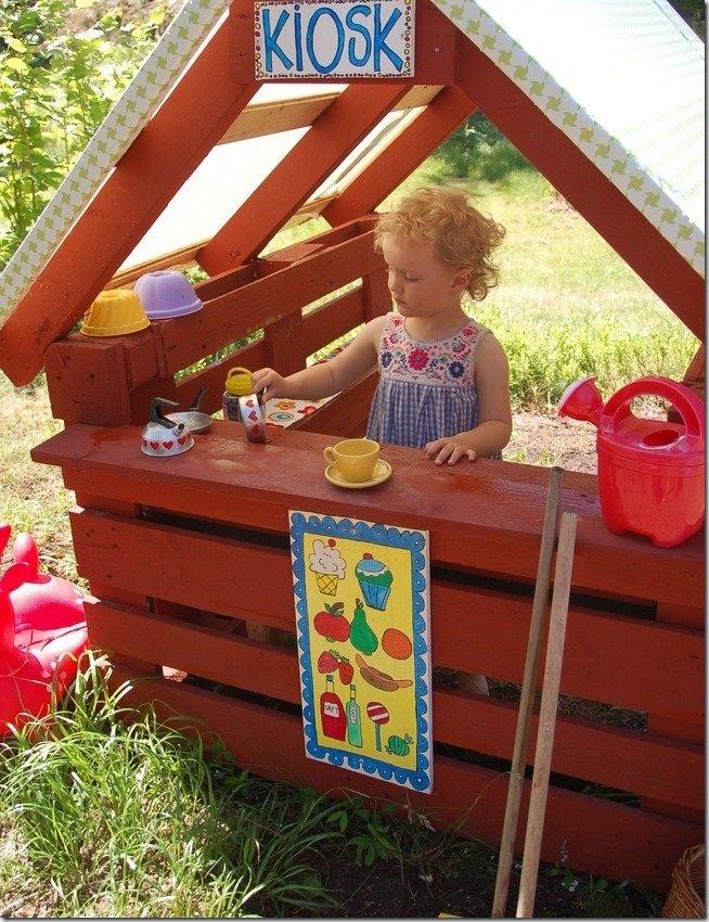 Детский домик на дачу своими руками из поддонов