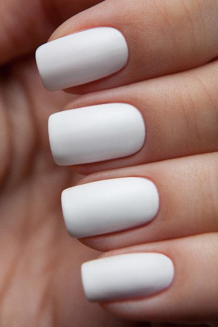 Белый матовый лак для ногтей