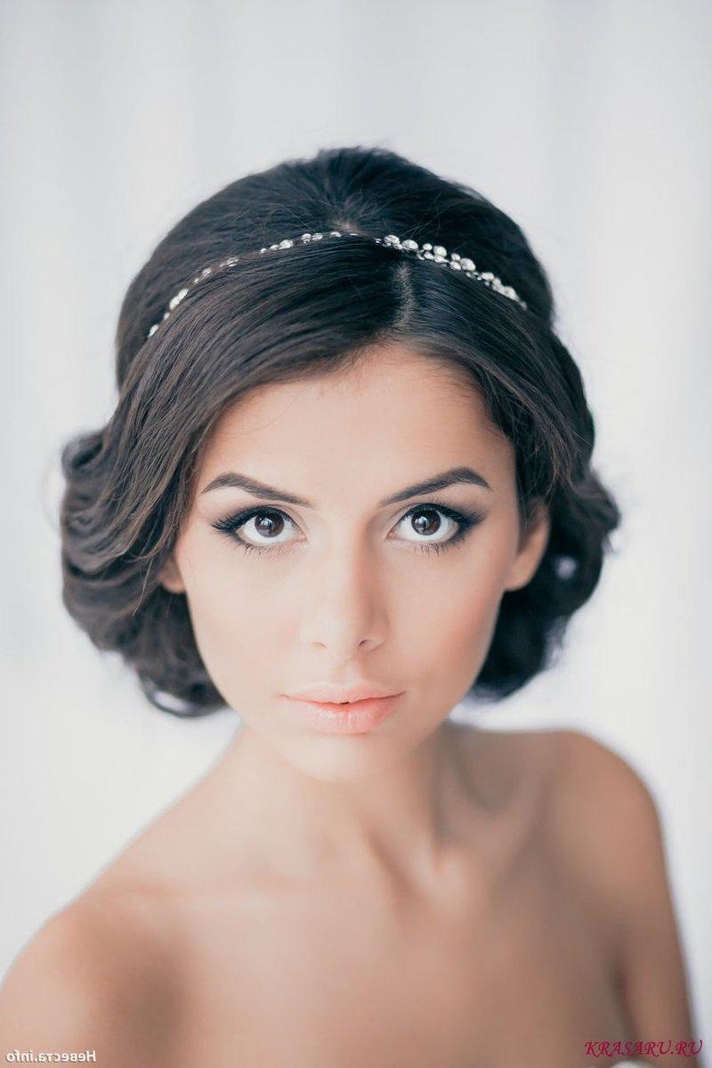 Греческая прическа на короткие волосы с фатой