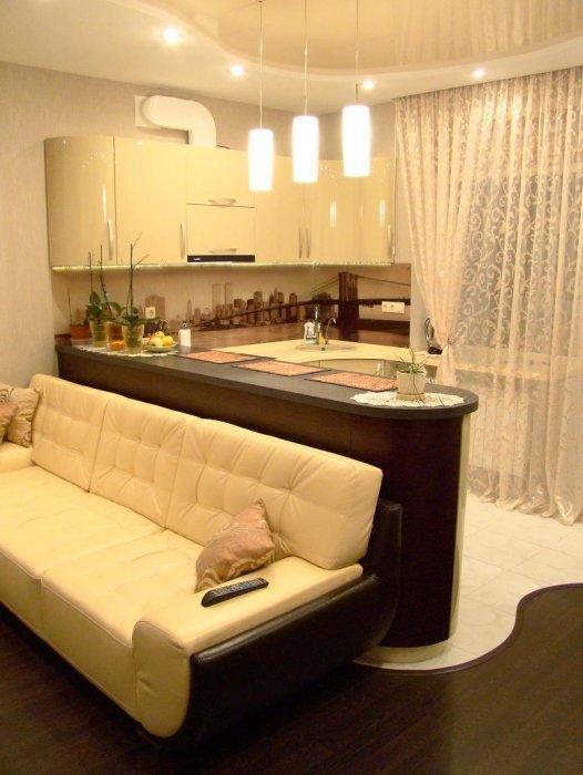 Как в одной комнате сделать и кухню и гостиную