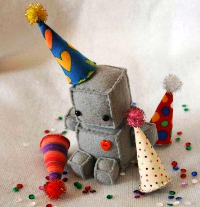 Мягкая игрушка это хороший подарок ребенку, а если сделать такую игрушку своими руками то радости и удовлетворения будет в разу