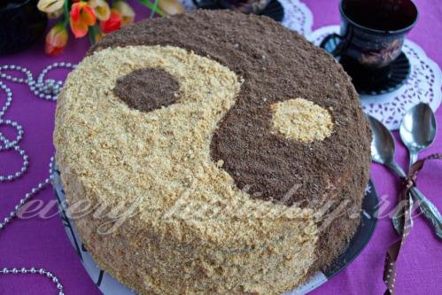 Медовый торт вкуснее с кремом
