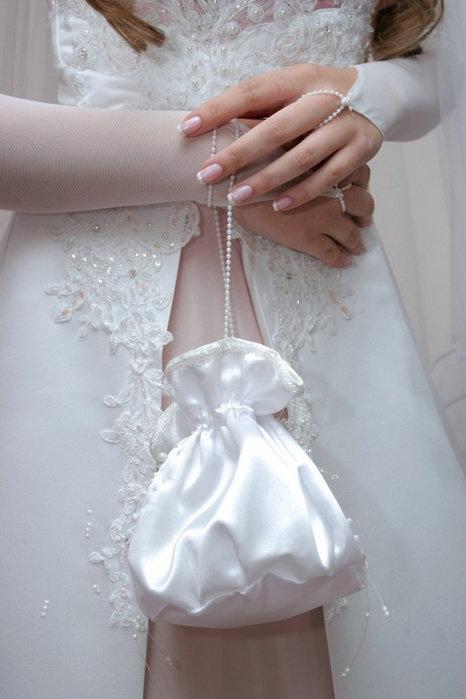 Сумочки к свадебному платью