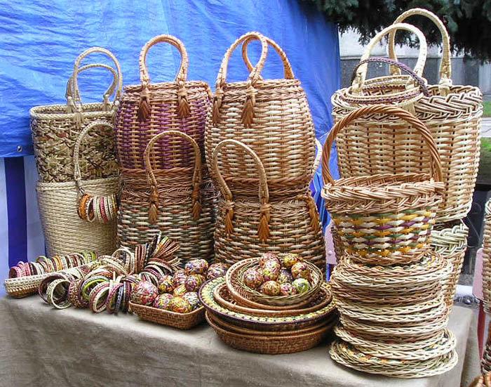 Кто плетет корзины из лозы