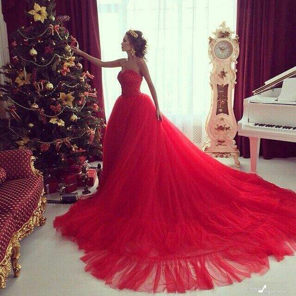 Красивые в пышных платьях