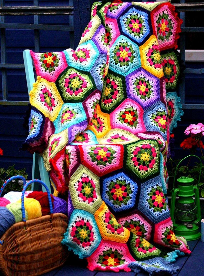 Разноцветные вязаные вещи своими руками 88