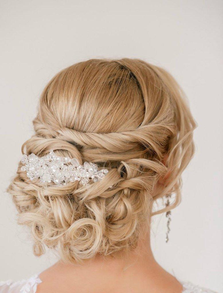 Свадебные прически на светлые волосы средней длины фото