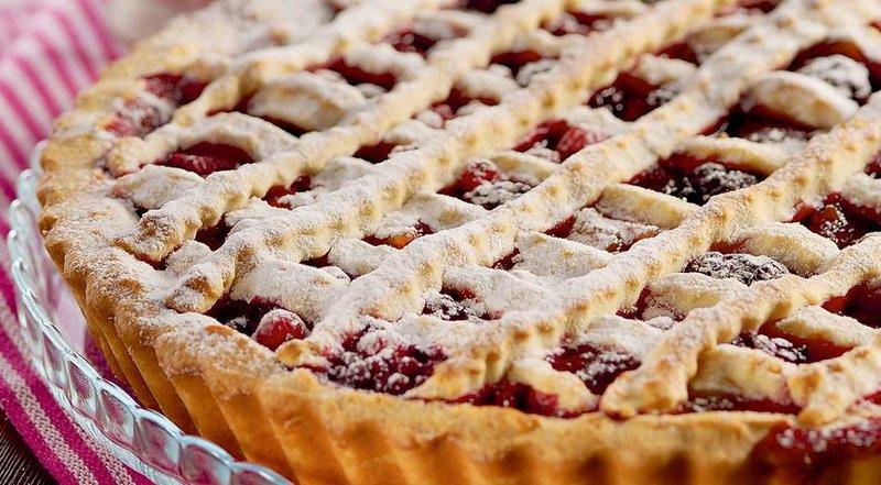 Пирог в ягодами в духовке рецепт с фото пошагово