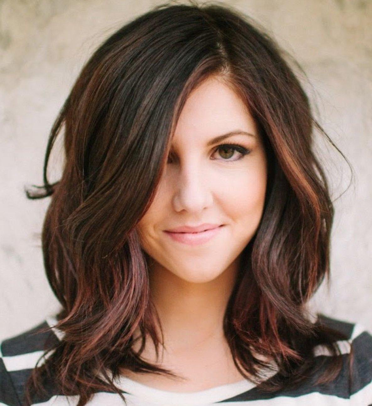 Женские стрижки для темных волос