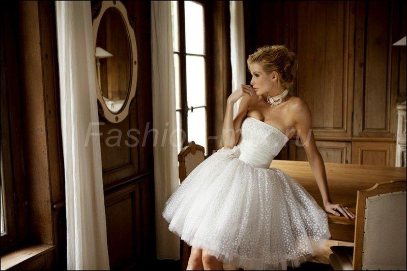 Свадебные пышные короткие платья