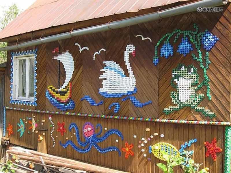 Пластиковые крышки поделки на даче 116