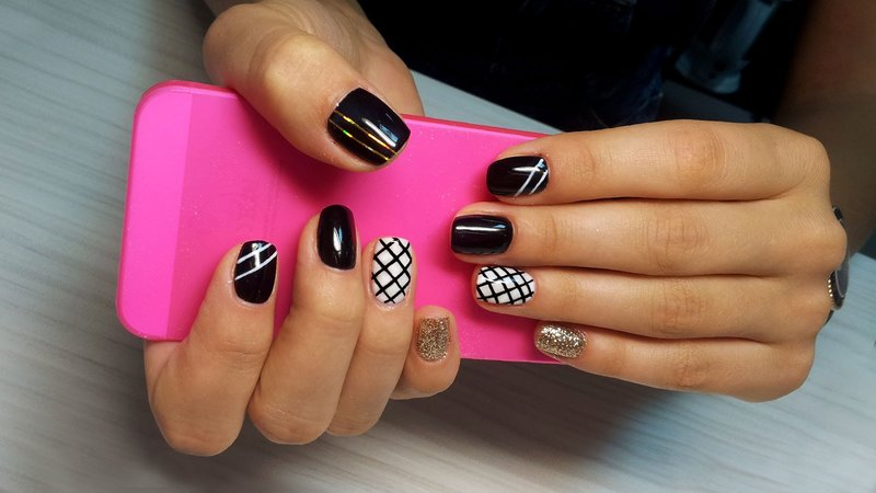 Ногти шеллак дизайн черный