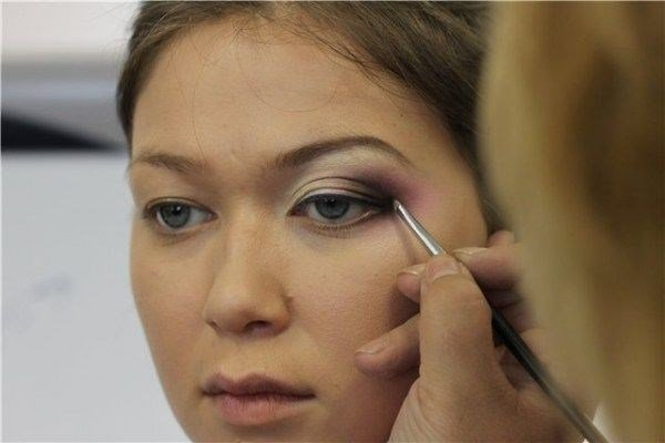 Нависшие веки макияж век фото