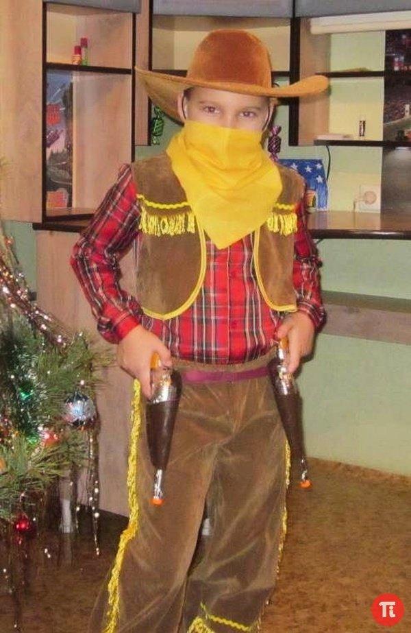 Новогодний костюм для мальчика  сделать