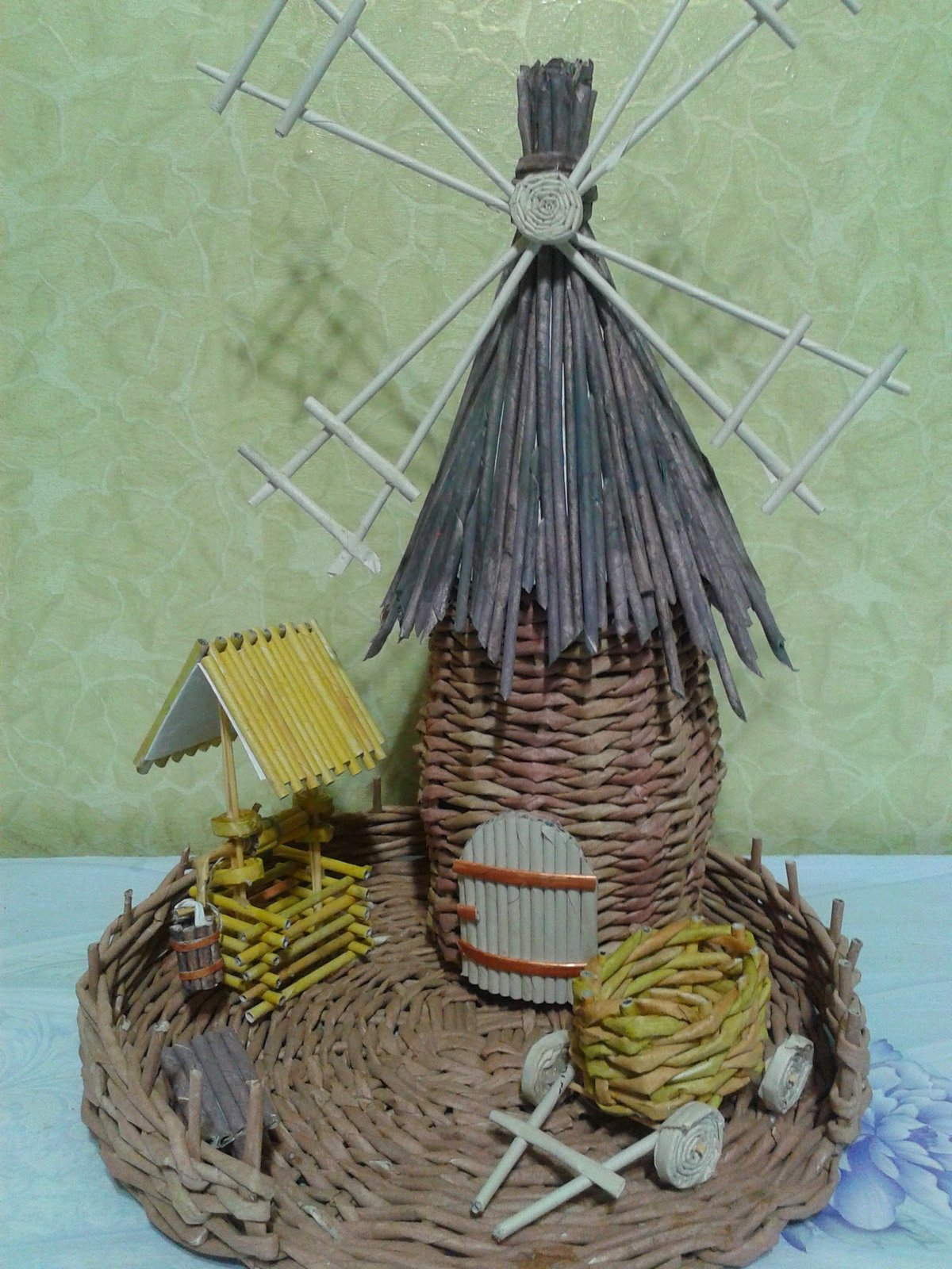 Поделка изделие Плетение Чайный домик Плетение из газет 69