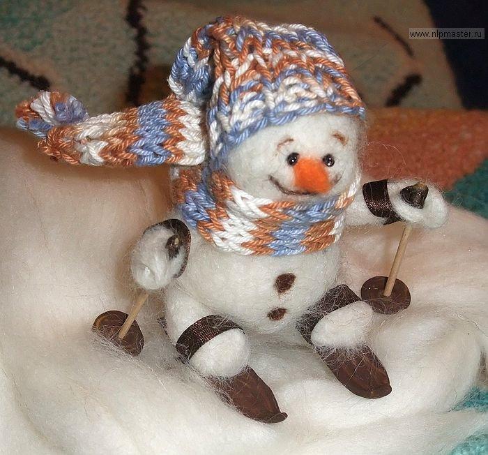 Снеговик из шерсти своими руками