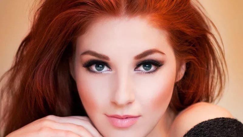 Вечерний макияж для рыжих с голубыми глазами