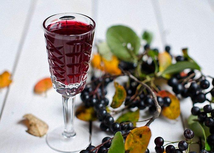 Рецепты настойки из черноплодной рябины в домашних условиях