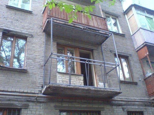 Как сделан балкон хрущевки