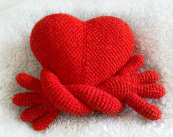 Вязанные сердечки