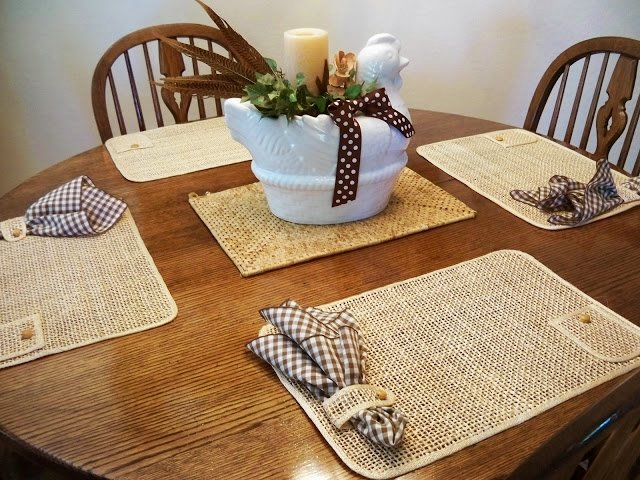 Салфетка под тарелки на стол своими руками
