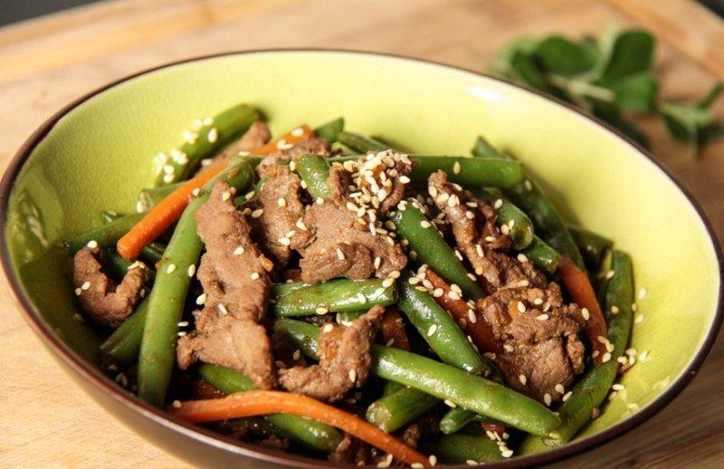 Стручковый фасоль с мясом салат